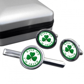 Kiss Me I'm Irish Round Cufflink and Tie Clip Sert